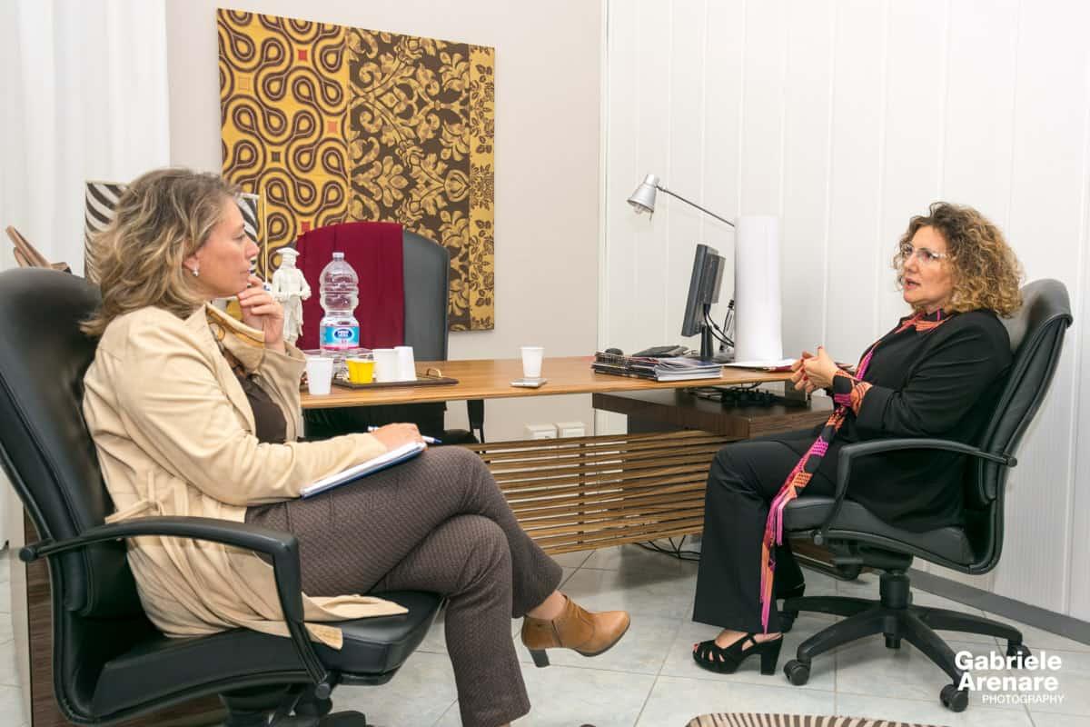 Maria Assunta Gianquinto della Silk&Beyond durante l'intervista di Annamaria La Penna - Photo credit Gabriele Arenare