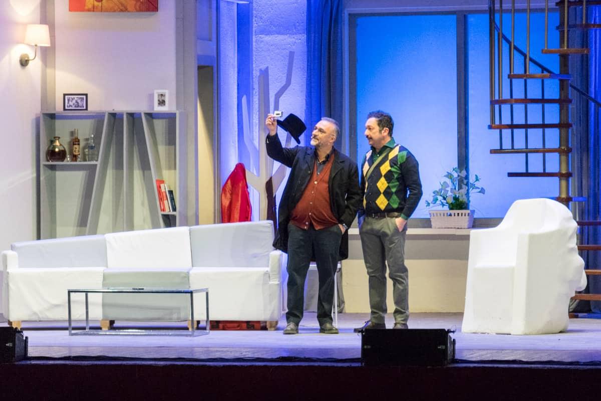 """Spettacolo Teatrale """"No grazie, il caffè mi rende (ancora) nervoso"""" regia di lello Arena - Photo credit Gabriele Arenare"""