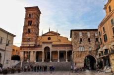 Piazza del centro storico di Terracina - Photo credit Matteo Langiotti