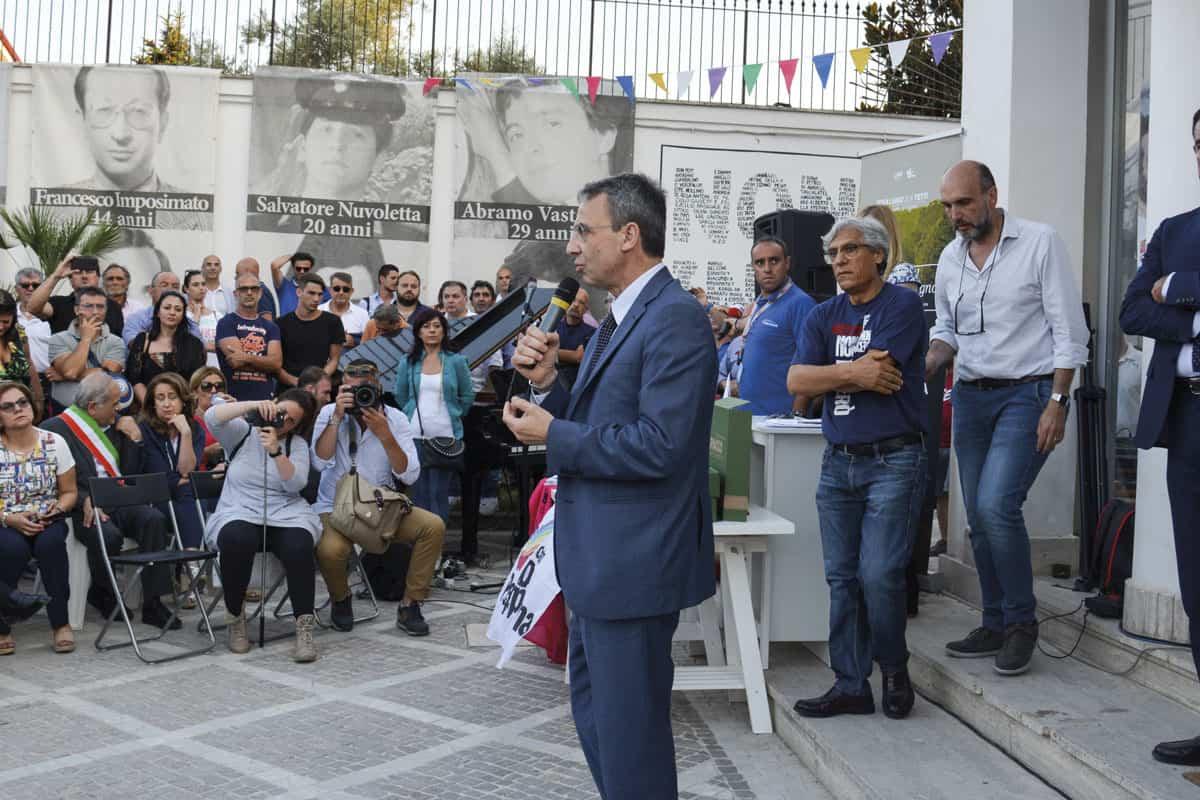 Sergio Costa e Luigi Di Maio a Casal di Principe