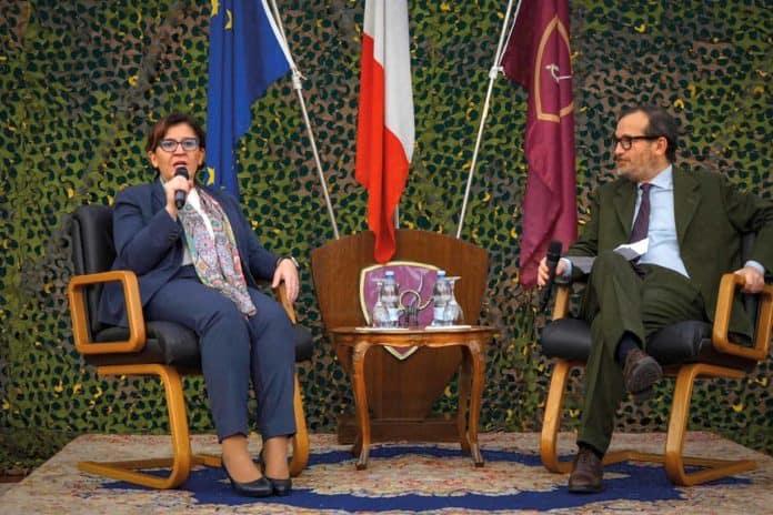 informareonline-intervista-ministro-trenta