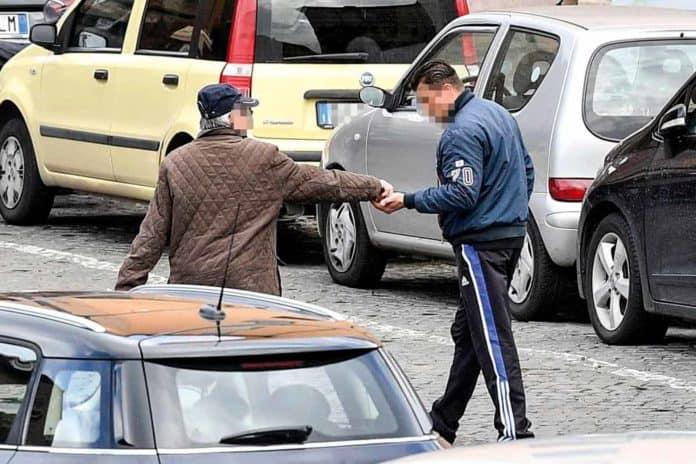 informareonline-parcheggiatori-abusivo