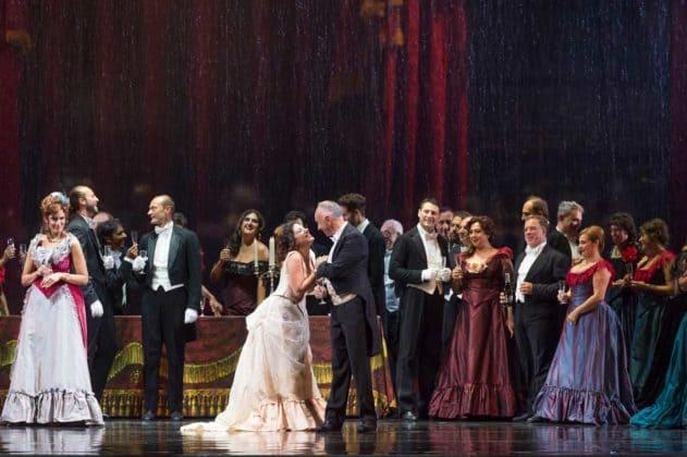 La-Traviata_ph-Francesco-Squeglia_4766