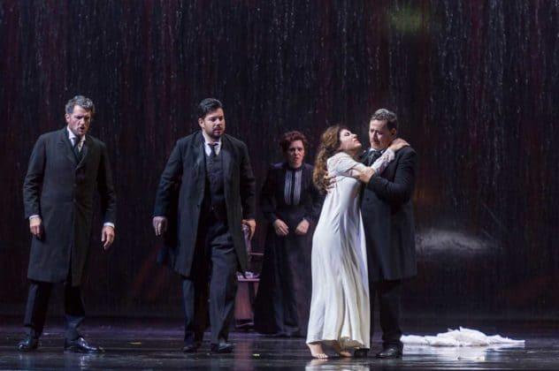 La-Traviata_ph-Francesco-Squeglia_5280