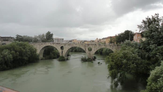 informareonline-il-fiume-volturno-ad-un-passo-dalle-acque-dei-fuochi-tra-arsenico-e-pesticidi