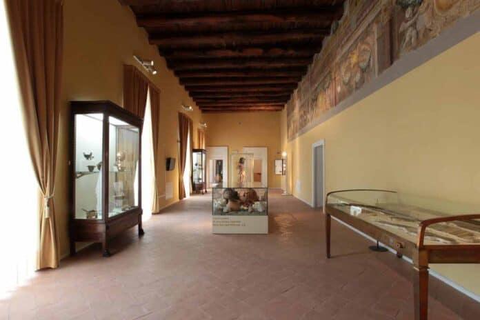 Galleria-del-piano-nobile-con-affreschi-settecenteschi