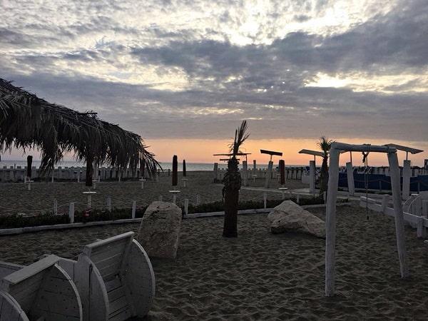 informareonline-rezophonic-e-novaffair-al-flava-beach-una-serata-rock-a-castel-volturno