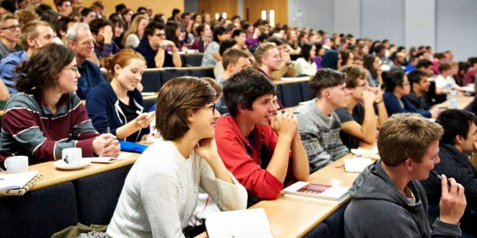 Informareonline-la-crisi-delle-universita-attraverso-gli-occhi-dei-giovani