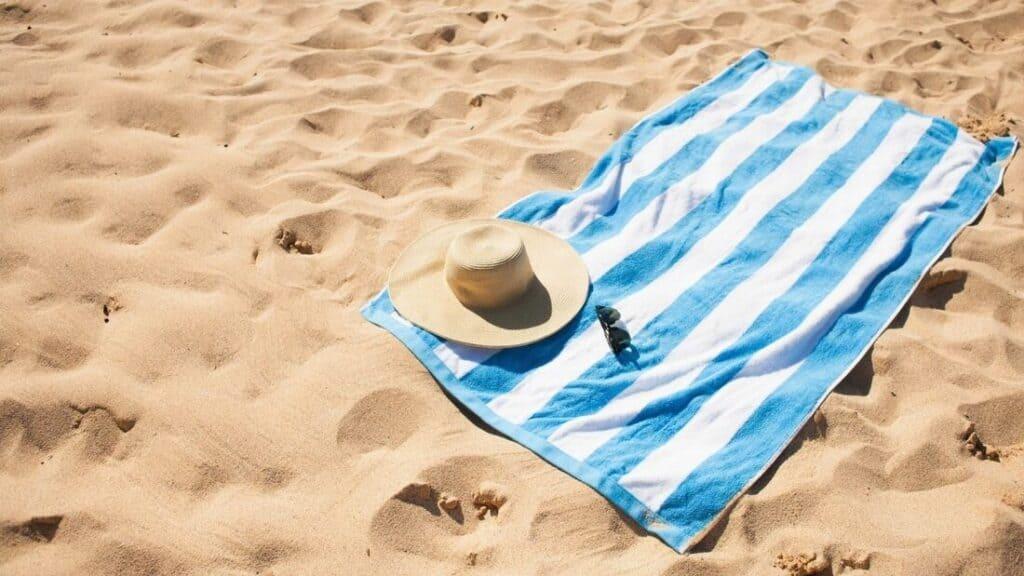 Informareonline-sdraiarsi-spiaggia