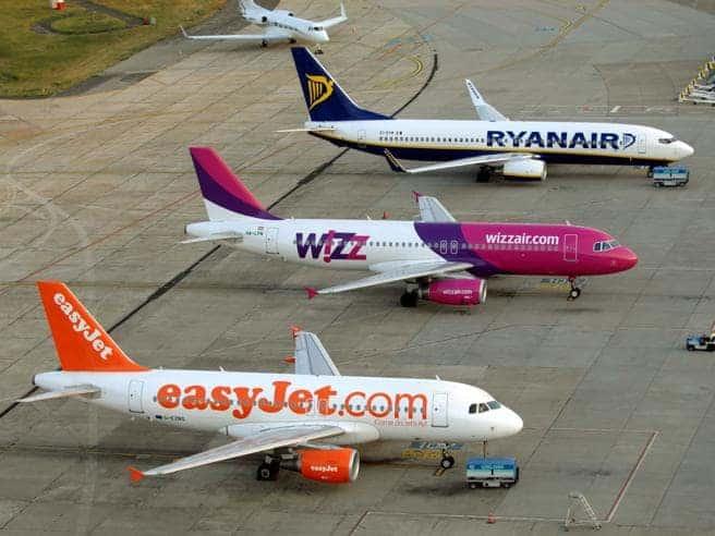 informareonline-tutela-dei-consumatori-le-compagnie-aeree-dellue-si-impegnano-a-rimborsare-tempestivamente-i-voli-cancellati