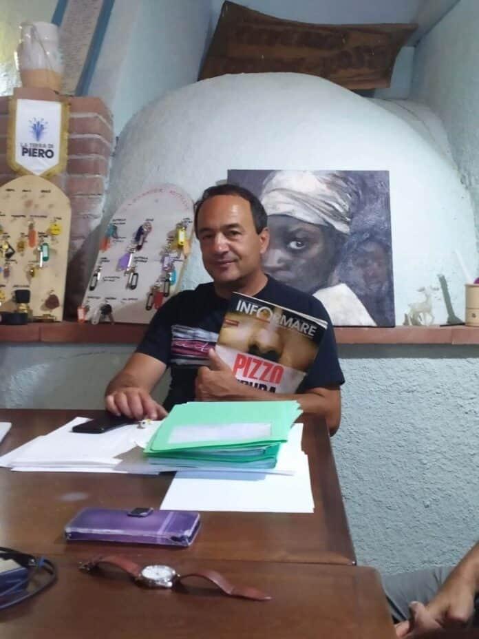 informareonline-solidarieta-per-mimmo-lucano-presidio-a-piazza-plebiscito